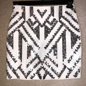 Express Sequin Mini Skirt (blk/white/silver)